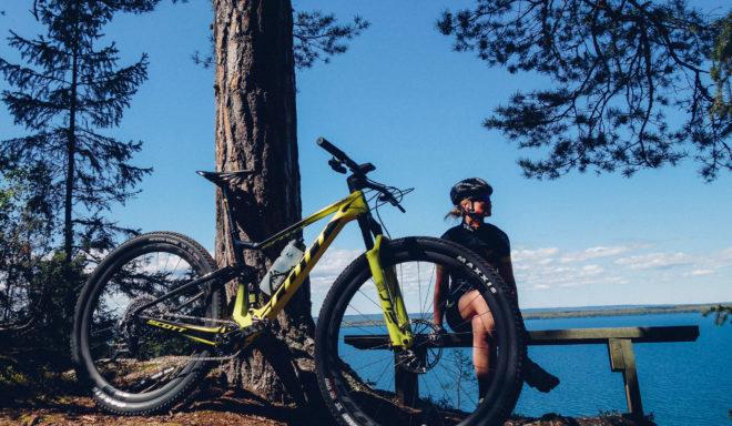 Cyklisten Elna Dahlstrand vid John Bauerleden
