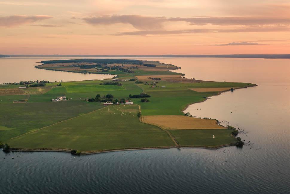 Flygfoto över Visingsö i Vättern