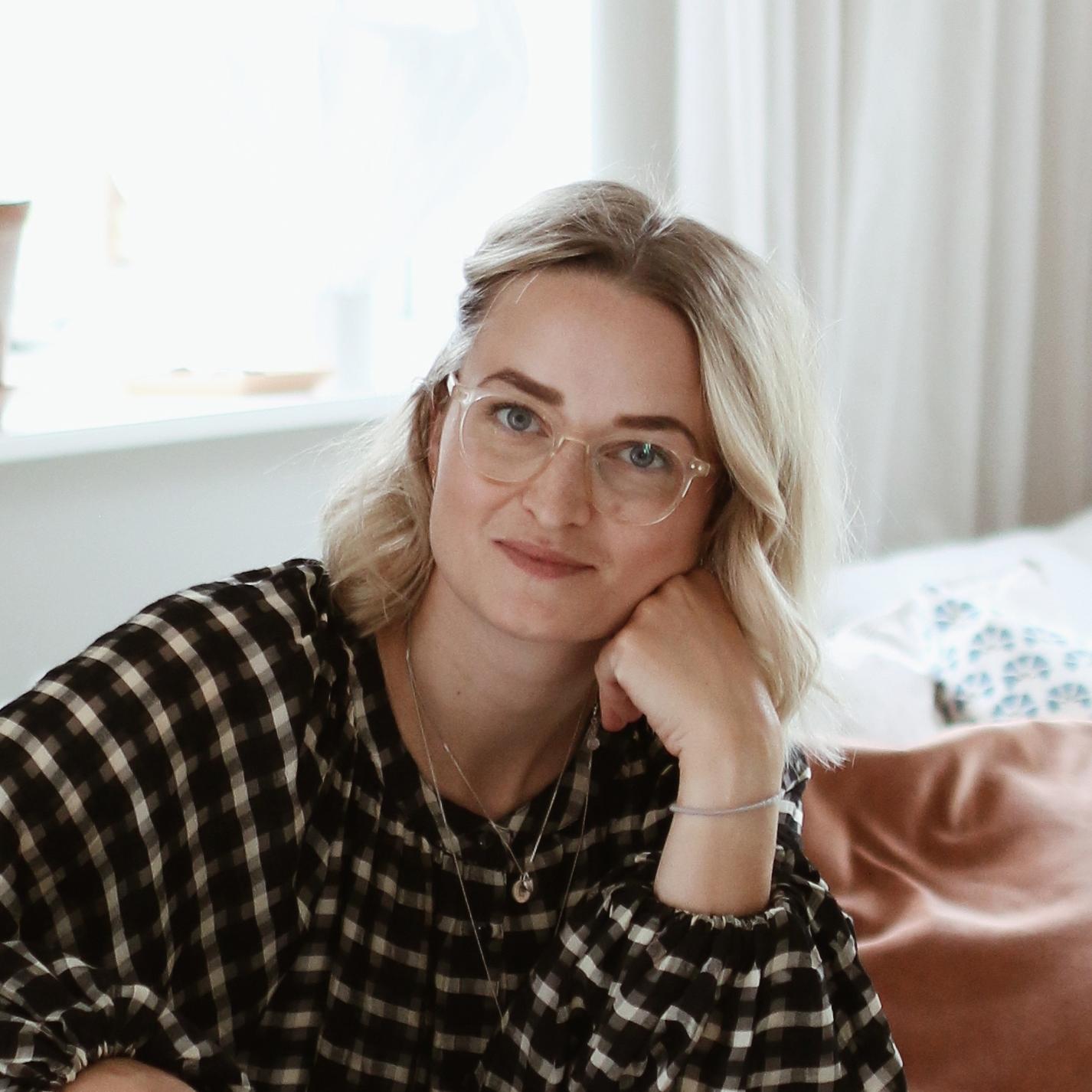 Porträttbild på Linnea Rolfsson